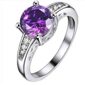 Jewelry - GORGEOUS Wedding Ring Size 9 New